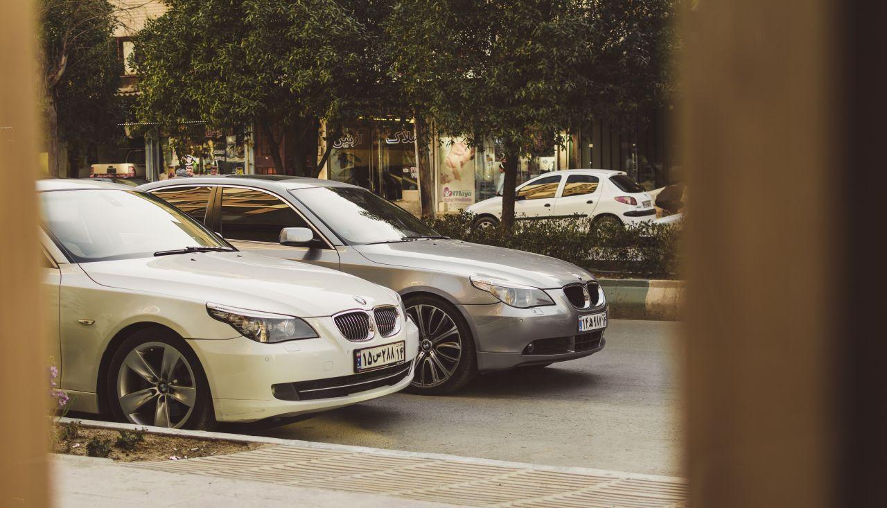 Leasingpartner - BMWs fahren vor - ashkan-forouzani-3kXz6v6ZZ_g-unsplash